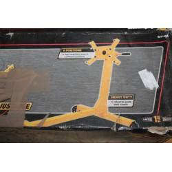 Support moteur sur roulettes ,  6 positions . Charge max 450kg