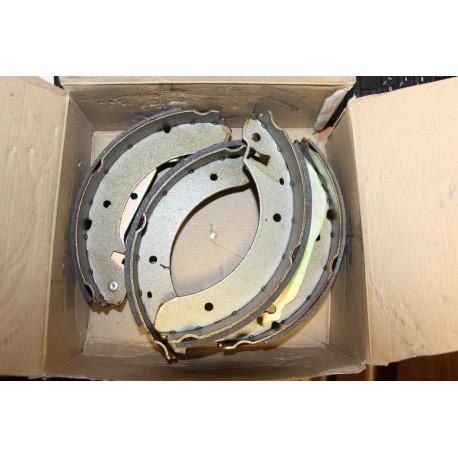 Garniture de frein pour Nissan pour FORD Sierra APRES 6/82--