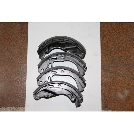 Garniture de frein pour OPEL ASTRA KADETT TOUS 79-84 CAVALIER 81-88 (AVEC RATRAPAGE AUTO) MANTA (AVEC RATRAPAGE AUTO) 84-88