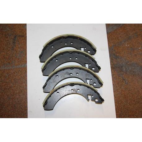 Garniture de frein pour FORD ESCORT ET CORTINA MK3 1,3 1,6L
