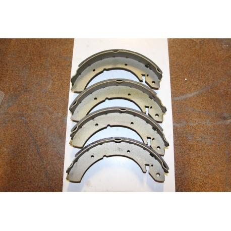 Garniture de frein pour FORD CONSUL BREAK 72-75 GRANADA BREAK