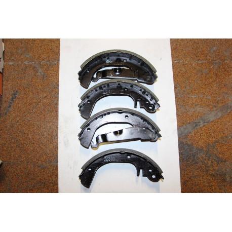 Garniture de frein pour OPEL CHEVETTE 1,3 76-84 Vintage Garage
