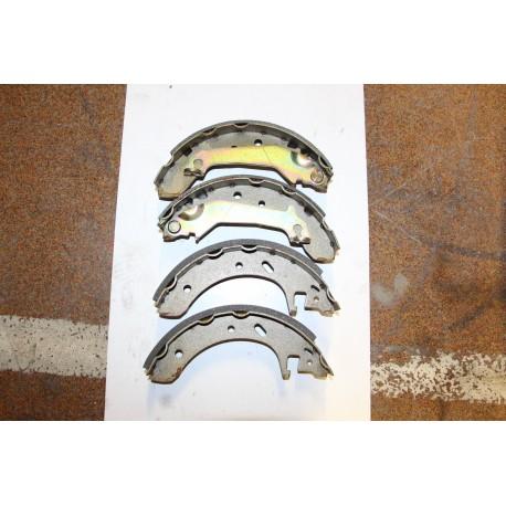 Garniture de frein pour FORD Mondeo 1,6l 93-96