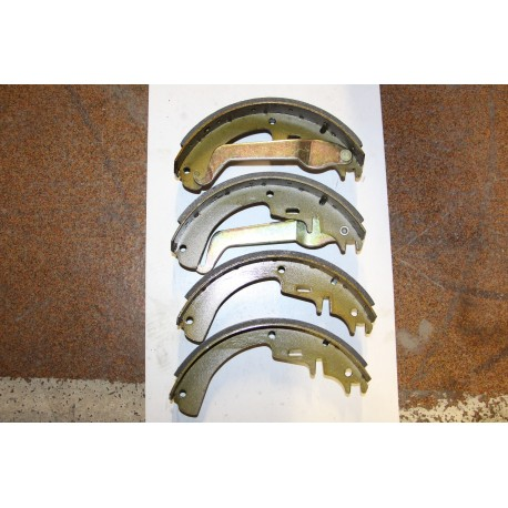 Garniture de frein OPEL REKORD D 71-82 ASCONA MANTA 73-81 COMMODORE 2,5 2,8 72-82