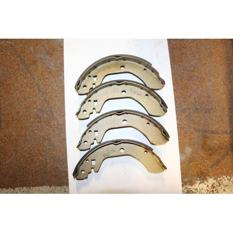 Garniture de frein NISSAN BLUEBIRD 1,6 78-79 2,0 78-81 VIOLET 77-82 LAUREL 77-81