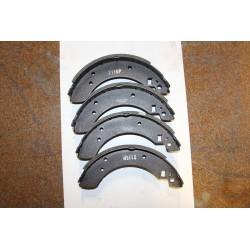Garniture de frein pour FORD CAPRI 1,6 ET 2,0 74-83 1,6 2,0 LASER 84-87