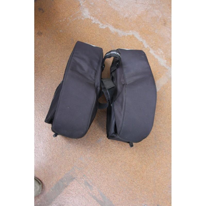 sacoches pour moto bagster vintage garage. Black Bedroom Furniture Sets. Home Design Ideas